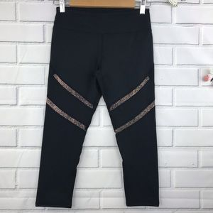 Fabletics Alessia Capri Workout Athletic Pants